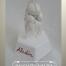 Aladins Pfote auf Keramiksockel mit Namenszug